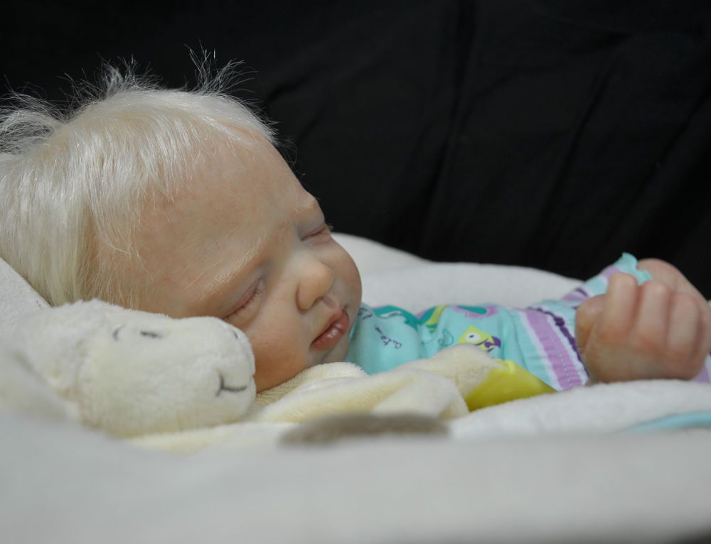 LDLB REBORN UNBELIEVABLE  PROTOTYPE BABY GIRL  SCULPT PHIL DONNELLY WOW !!!!