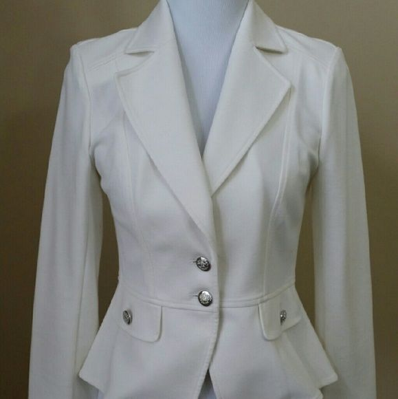 Off White WHBM Blazer! Off White WHBM Blazer!  Size 6.  Never been worn and excellent condition! White House Black Market Jackets & Coats Blazers