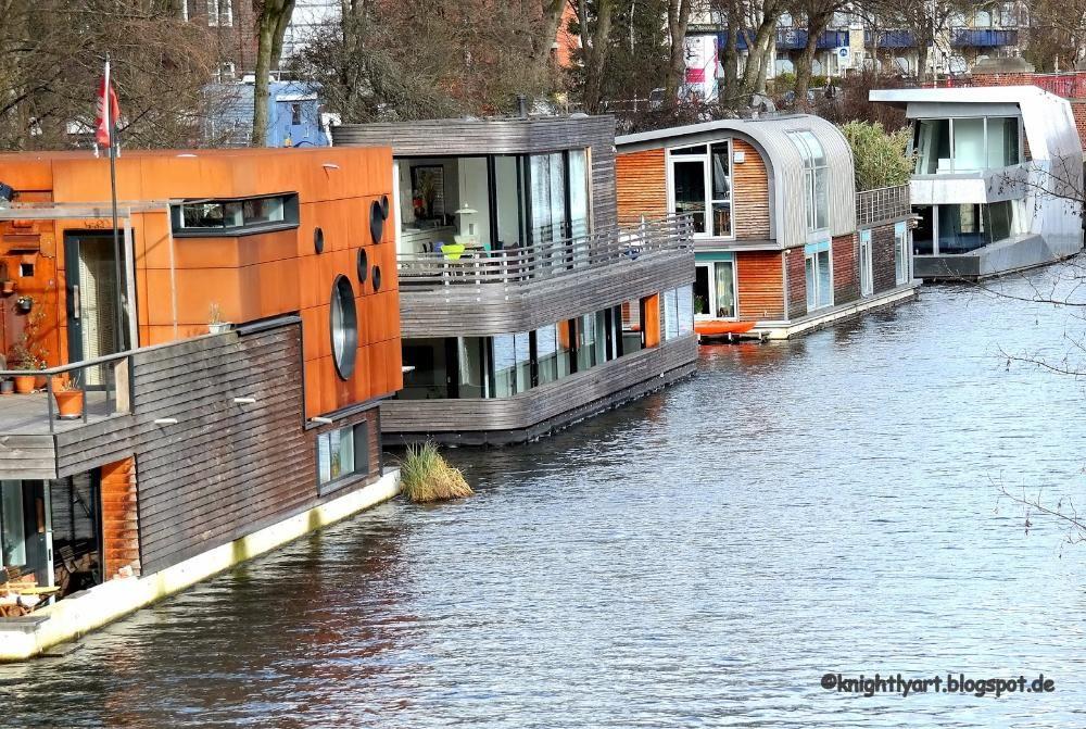 houseboats in hamburg houseboat havens. Black Bedroom Furniture Sets. Home Design Ideas