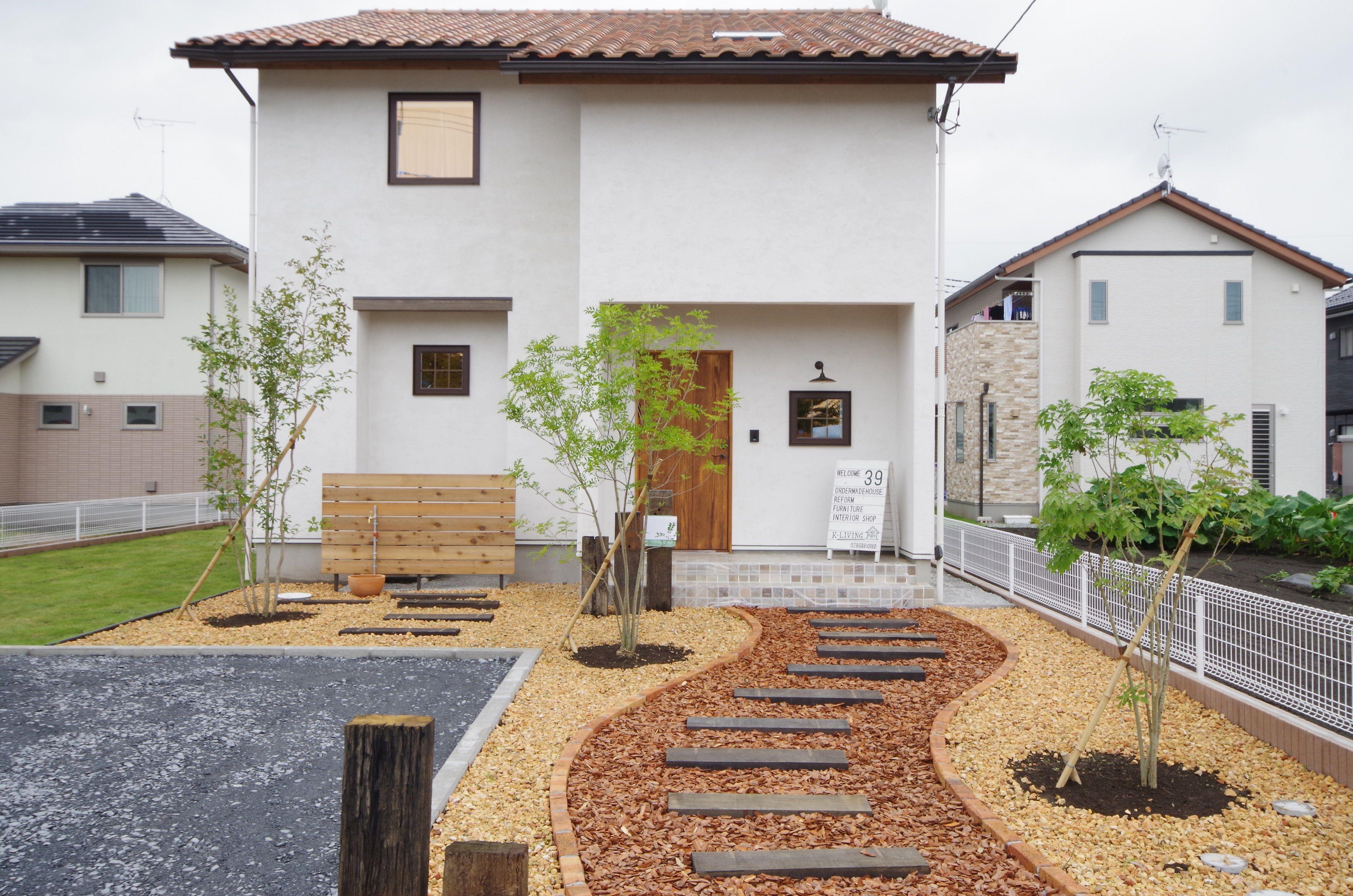 白いタイルのシンプルcafeハウス 栃木の注文住宅なら川堀工務店
