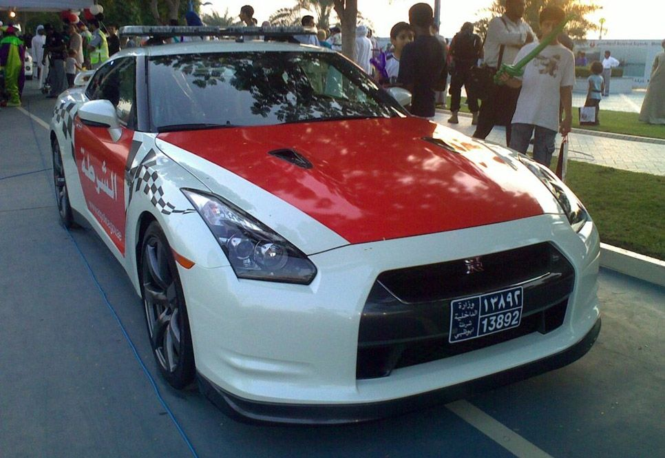 Nissan GTR – Abu Dabi. | Coches de Policia | Pinterest | Nissan and Cars