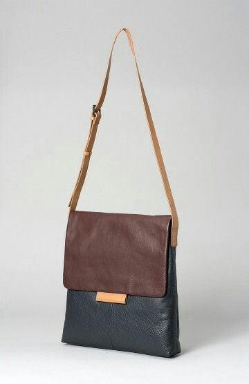 The Farve Large Leather Bag From Range Of Elk Handbags Has Been Handmade Super Soft This Handbag Can Be Used Everyday