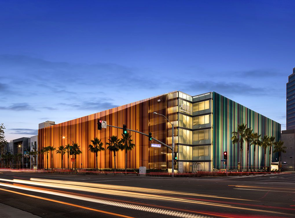 The Award Winning Parking Garage Design At Amli Uptown Orange