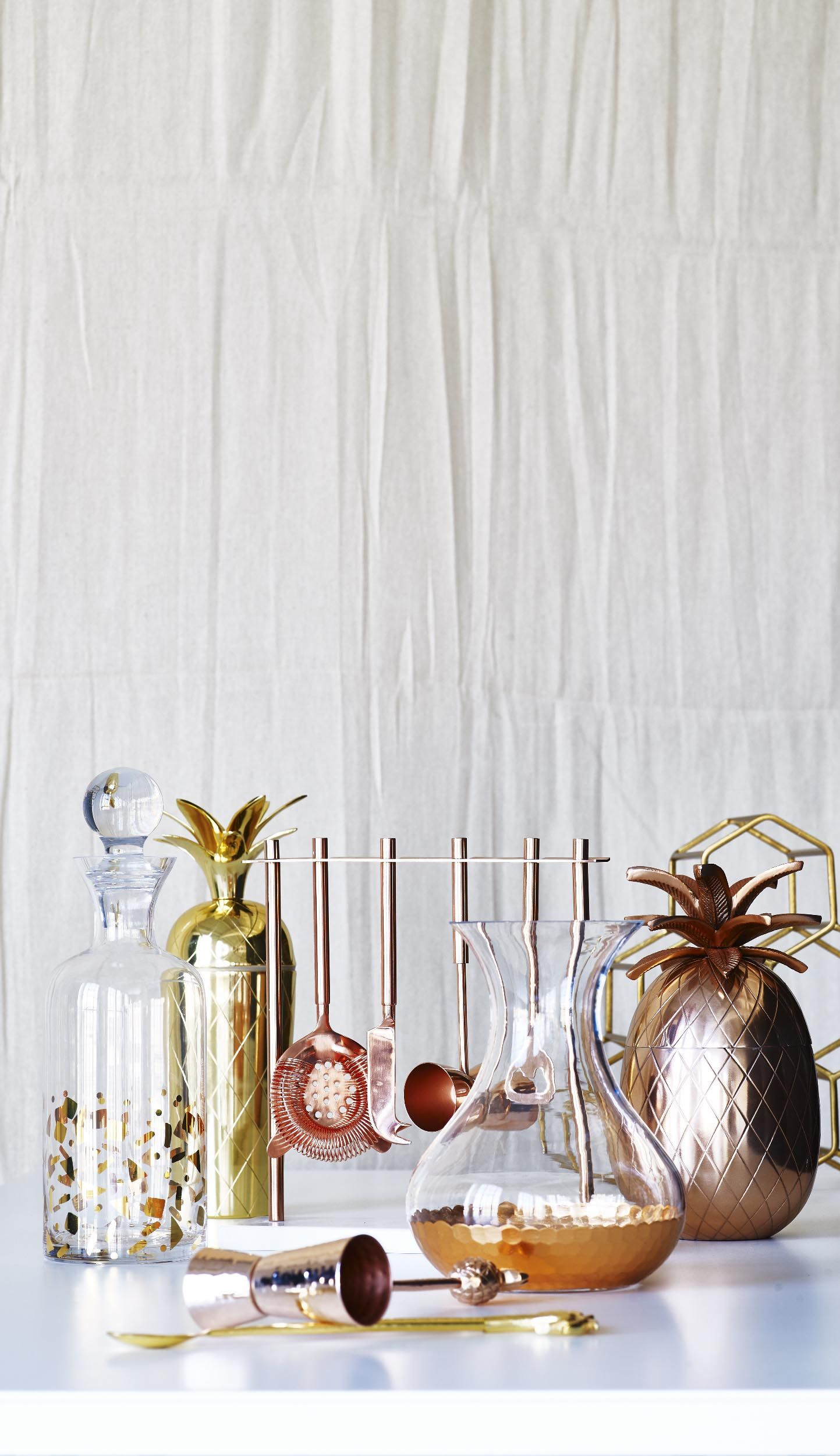 die besten 25 pineapple ice bucket ideen auf pinterest goldenes ananasdekor gold ananas und. Black Bedroom Furniture Sets. Home Design Ideas