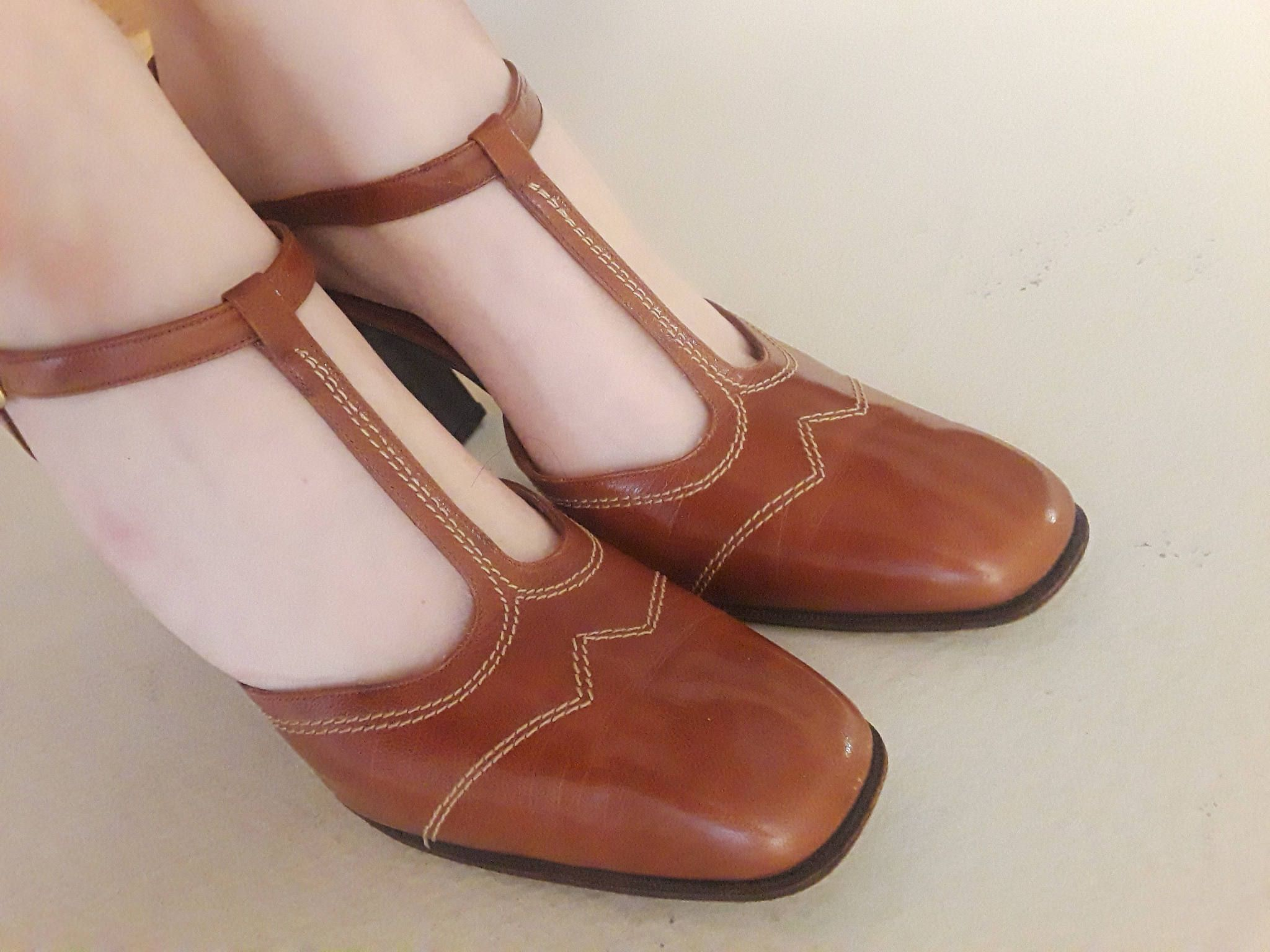 7daf8c560f16 Vintage 1970s Brown Leather T-Strap High Heel Shoes by Joseph   70s T Strap Shoes  with High Chunky Heel Vintage Secretary Office   9 1 2 by BasyaBerkman on  ...