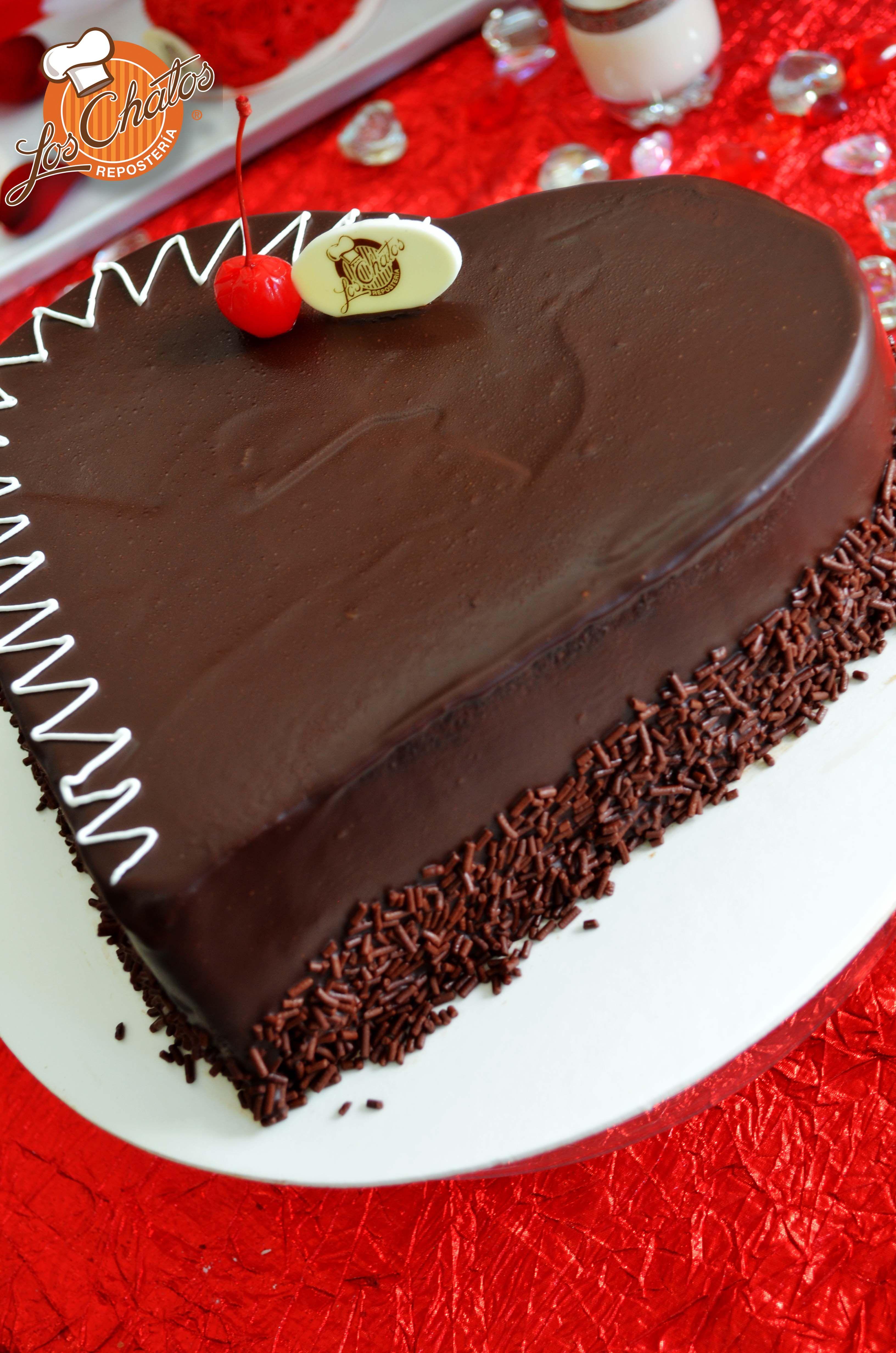 Pastel De Chocolate En Forma De Corazón Pastel De Chocolate Tortas Pasteles