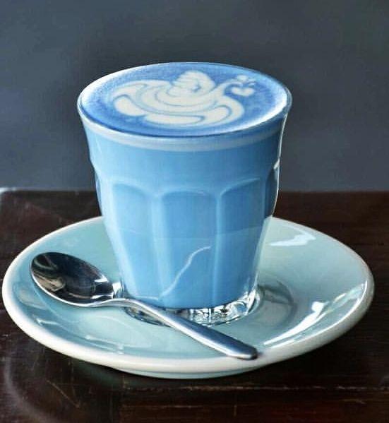 Blue Latte Art 🌏 🌱