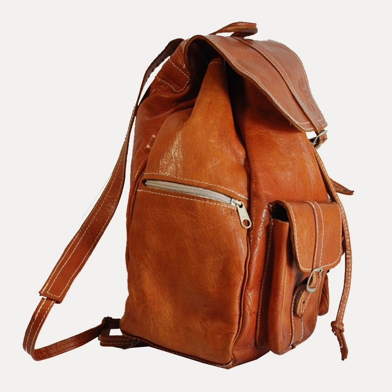 sac dos en cuir camel type baroudeur multi poches. Black Bedroom Furniture Sets. Home Design Ideas