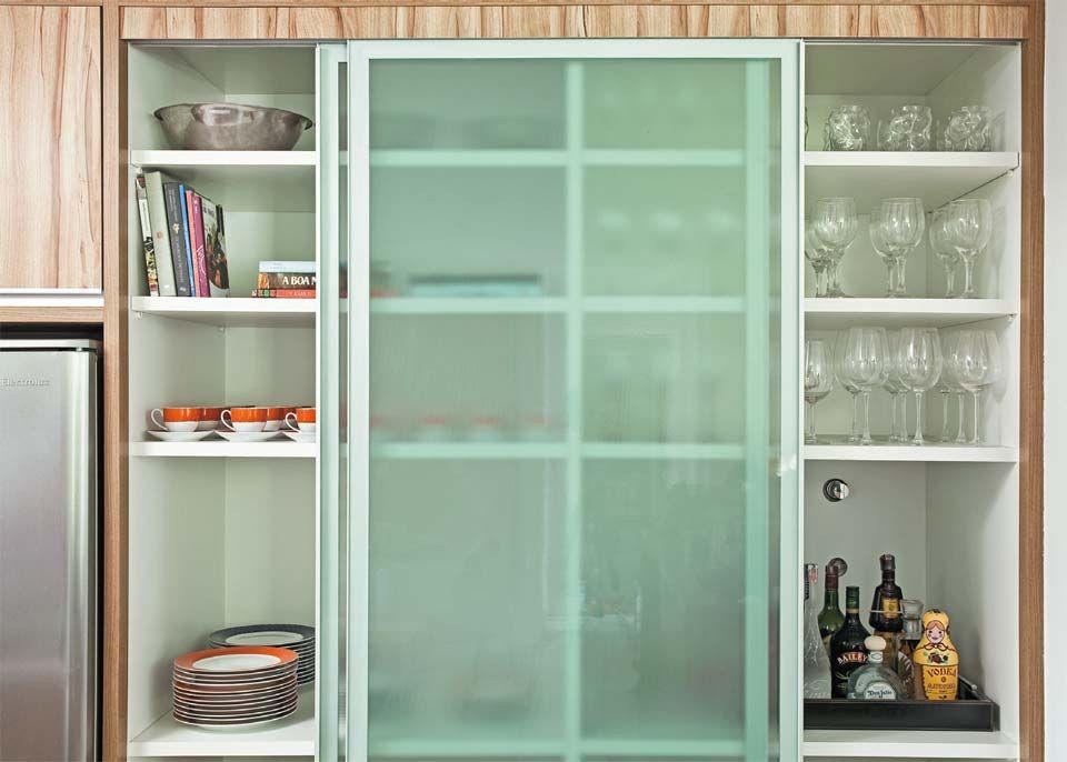 Como aproveitar o espaço e organizar os utensílios na cozinha ...