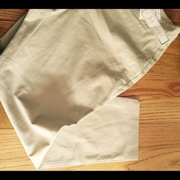 """Charter club 16p classic fit ankle pants Charter Club 16P, tan color perfect for summer, classic fit, tummy slimming sits at waist, relaxed through hip and thigh, hits at ankle, cotton and 7% spandex. NWT retail $65. 11"""" rise, 27""""inseam, 19"""" across waist laying flat. Please feel free to ask any questions Charter Club Pants Ankle & Cropped"""