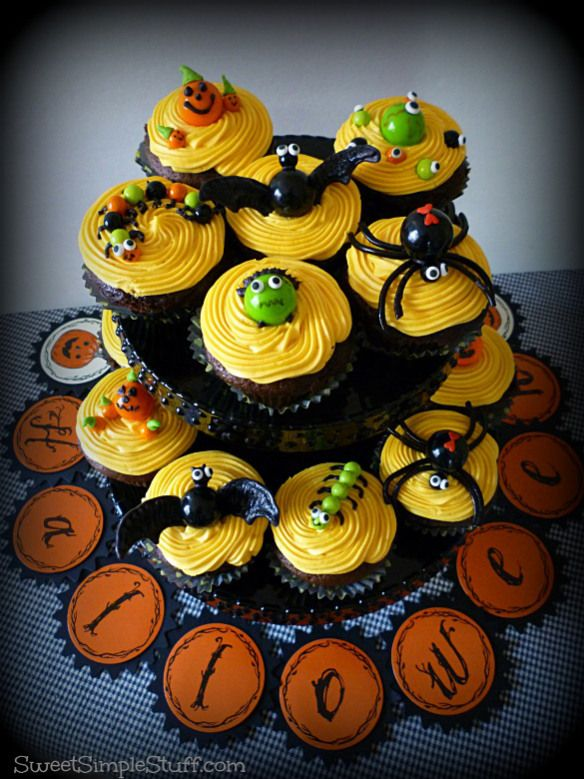 Halloween Cupcakes Sixlets Gumballs Cupcakes Pinterest Scary - decorating ideas for halloween cupcakes