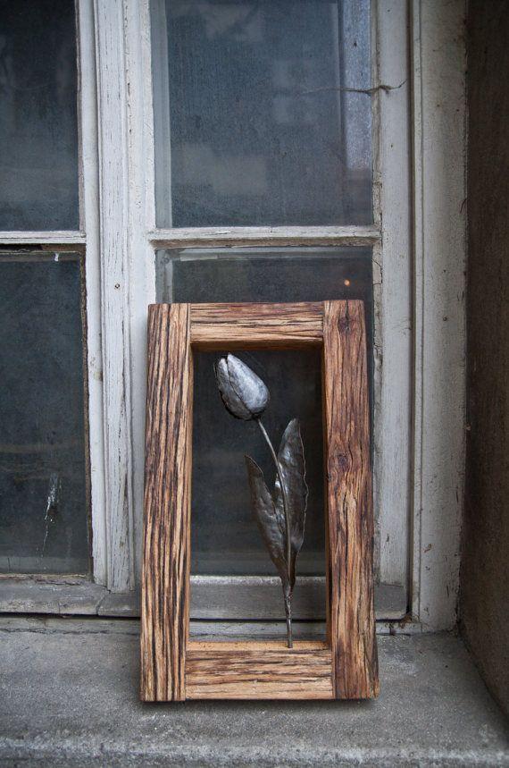 Tulip metal en marco de madera roble forja arte flor pared inusual ...