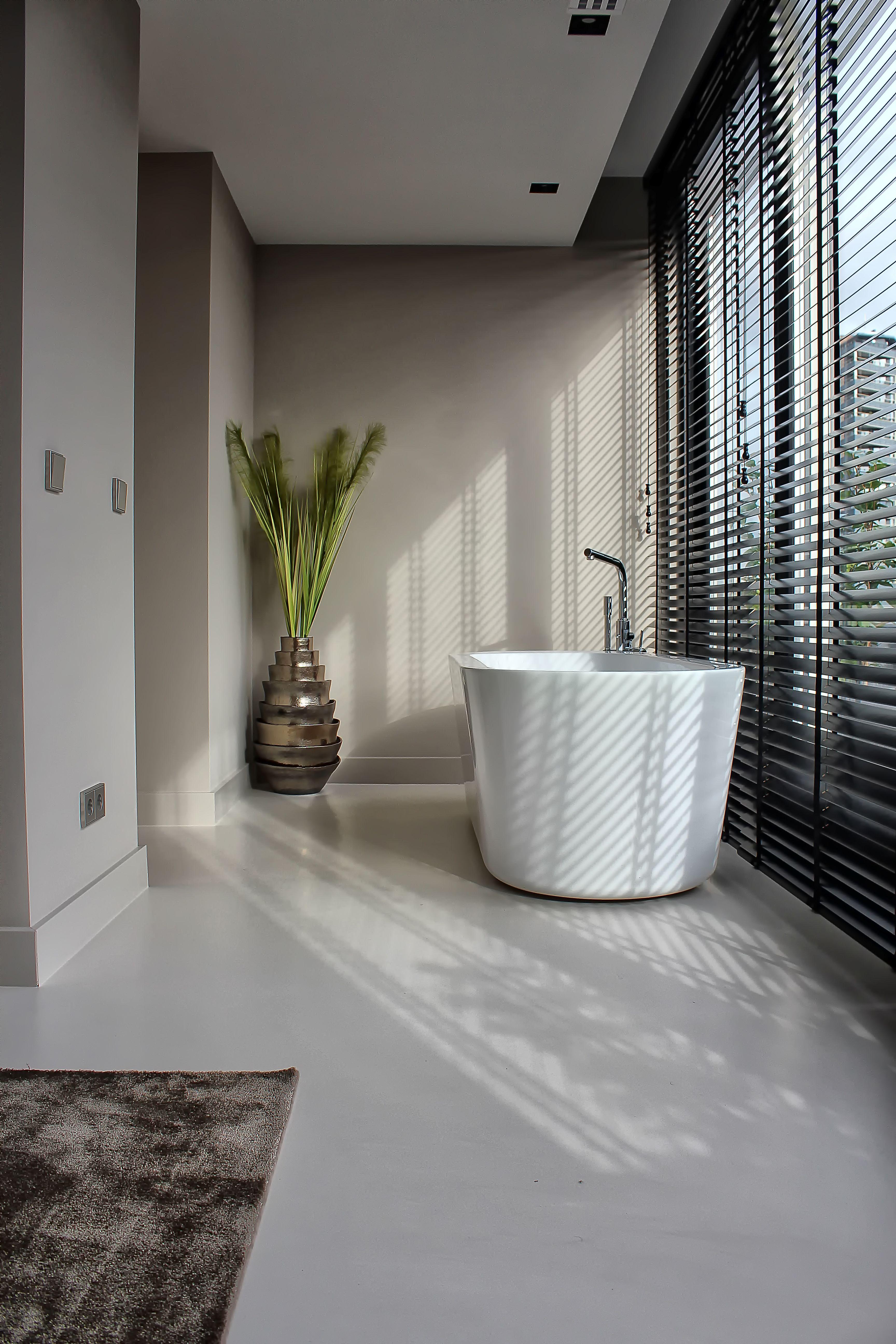 Badkamer Vloeren | Motion Gietvloeren #Gietvloer #Kunststof #Vloeren ...