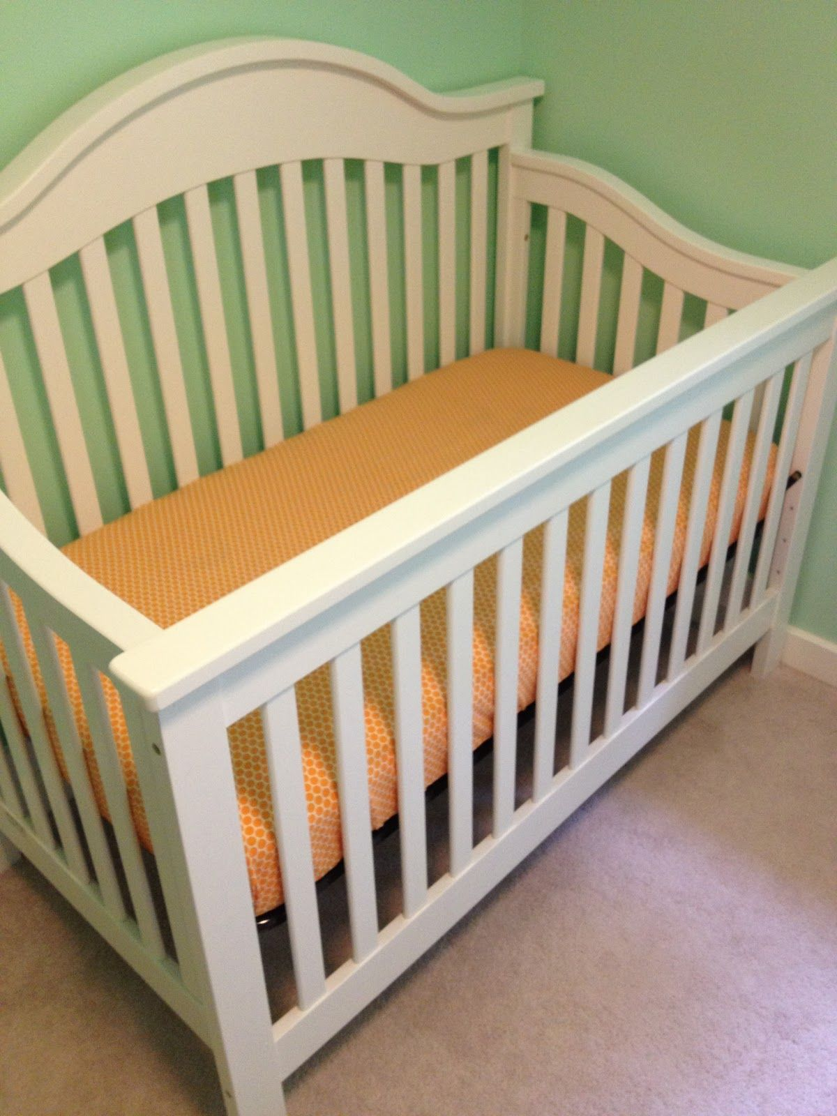 Baby bed sheet pattern - Rootandblossom Fitted Crib Sheet Tutorial Holy Crap This Woman Uses French Seams On Her Baby Sheets