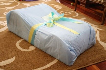 Gift Wrapping Tips for Christmas Presents. Large items use disposable table clothes!!! Great idea