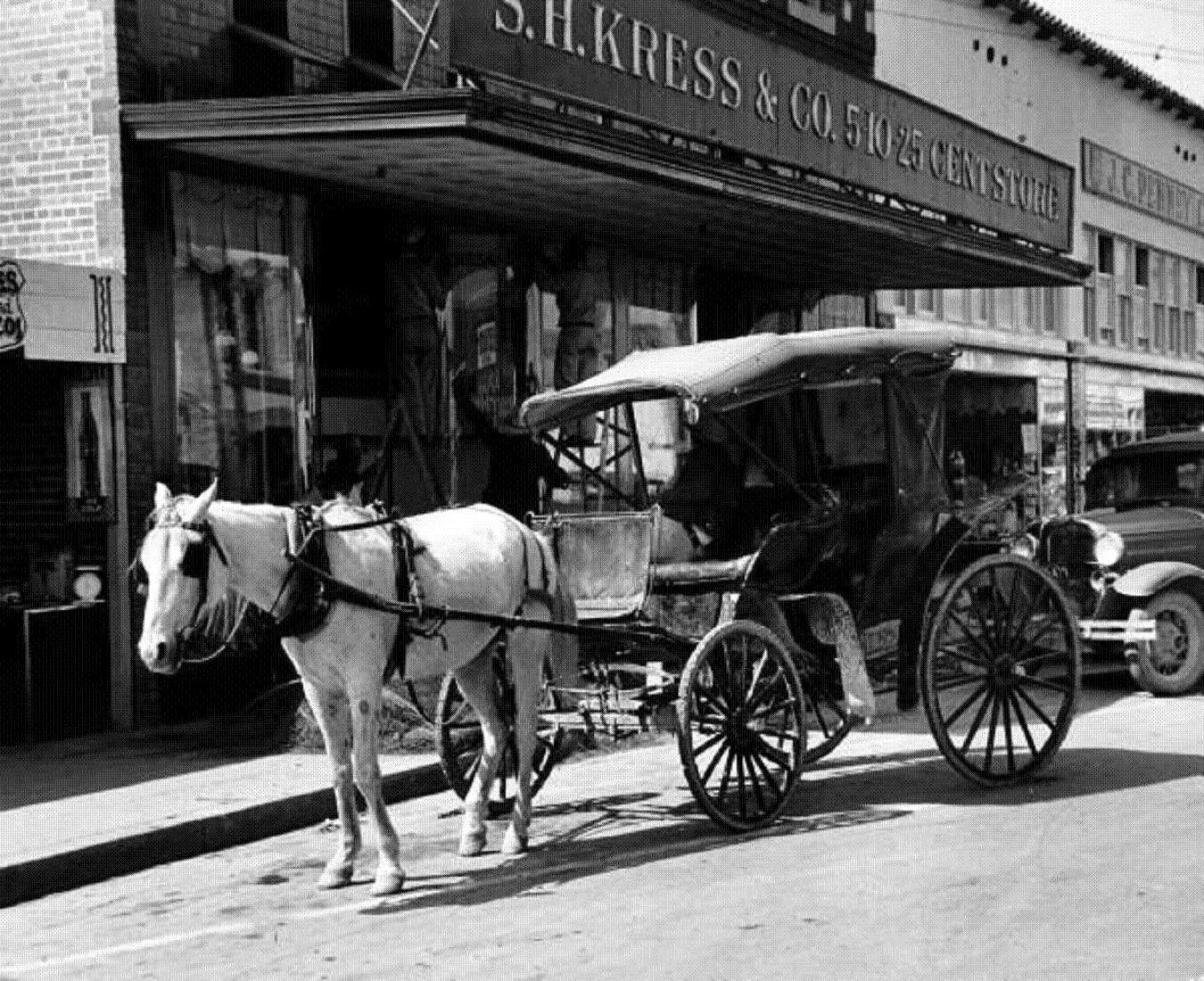 Eagle Pass, Texas, USA, 1939. Carl Mydans. Eagle pass