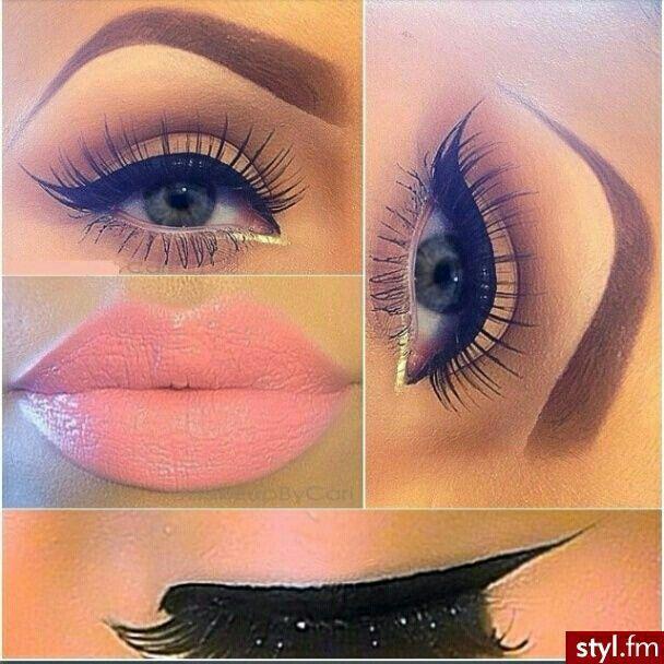 Winged Eyeliner . Fake Lashes . Pink Lip