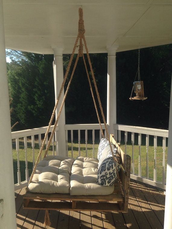 Pallet bed swing porch swing pallet bed swings porch for Outdoor pallet swing bed