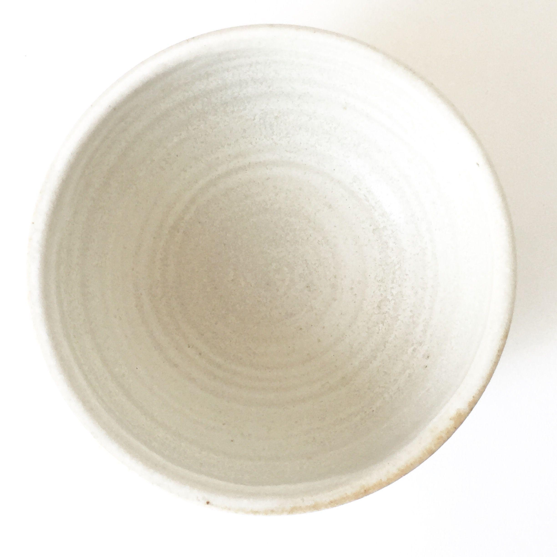 By Annemieke Boots Ceramics simple bowl stoneware pebbles white