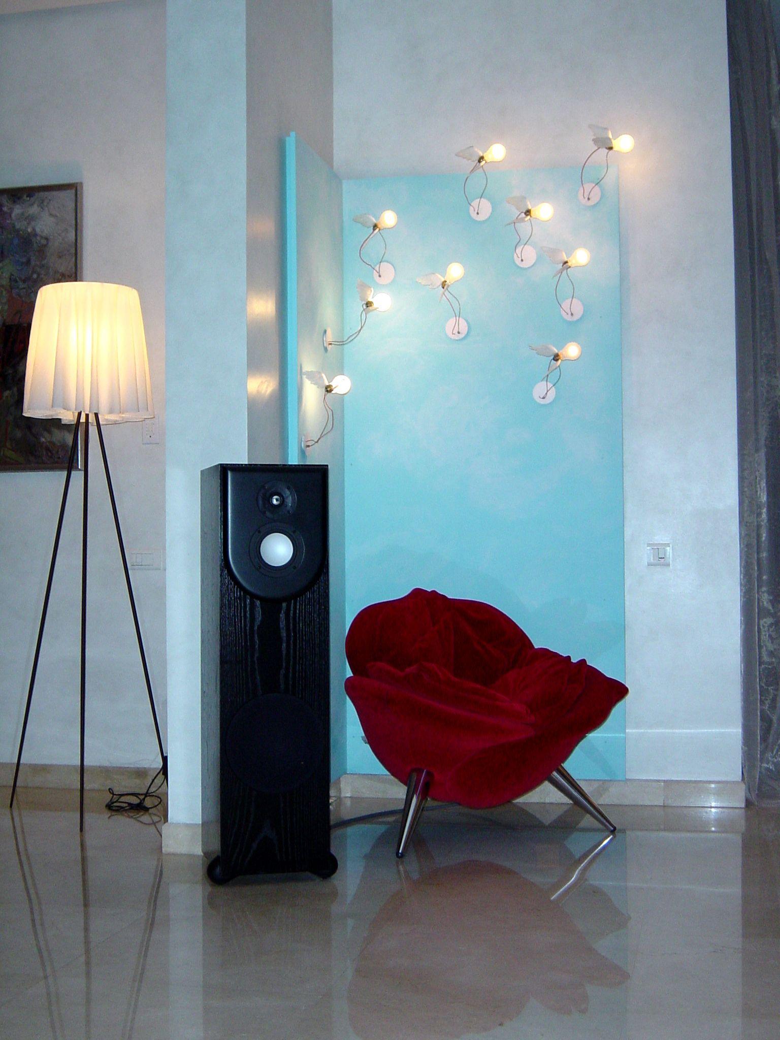Installation multiroom, distribution Russound Cav 6.6, ampli de puissance Proceed, enceintes Revel Performa. Installation Movie Store Cedric Arnaud-Bour Paris France.@asgalerie #asgalerie #Revel #Proceed #Russound #Amx #Lutron.