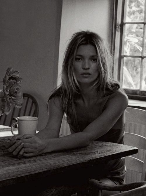 kate moss femme pinterest affiche encadree femmes chaudes et tenues mode. Black Bedroom Furniture Sets. Home Design Ideas
