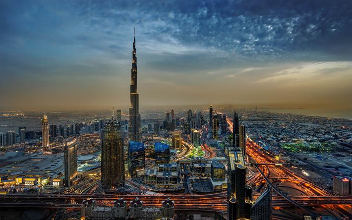 Download Wallpapers Burj Khalifa 4k Dubai Evening City Uae Cityscapes United Arab Emirates Besthqwallpapers Com 도시 사진 부르즈할리파 두바이