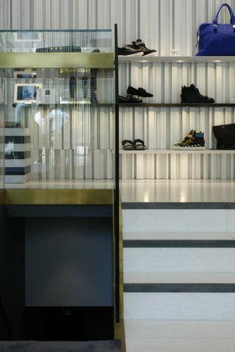 NUOVOSTUDIO Architettura e Territorio — Giuseppe Zanotti Design boutique LONDON - SLOANE STREET