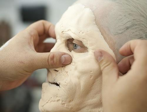 """From Human To Corpse: """"Walking Dead"""" Make-Up"""
