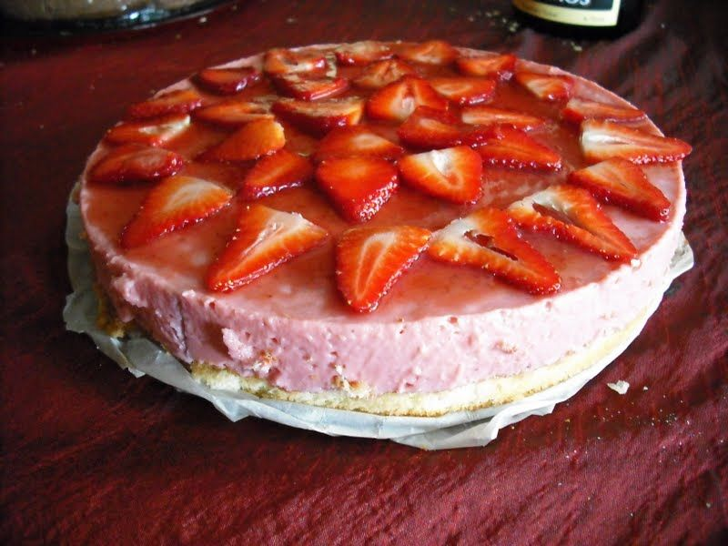 Pastel de fresas sin huevo bizcochos pinterest pastelitos de fresa huevo y postres - Postres con fresas naturales ...