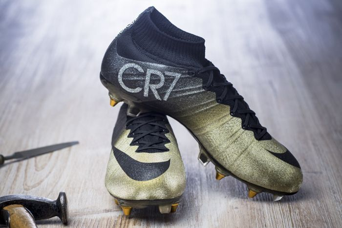 finest selection bf2c9 e9441 Ronaldo Superfly in Rare Gold | Everything Boots | Soccer ...