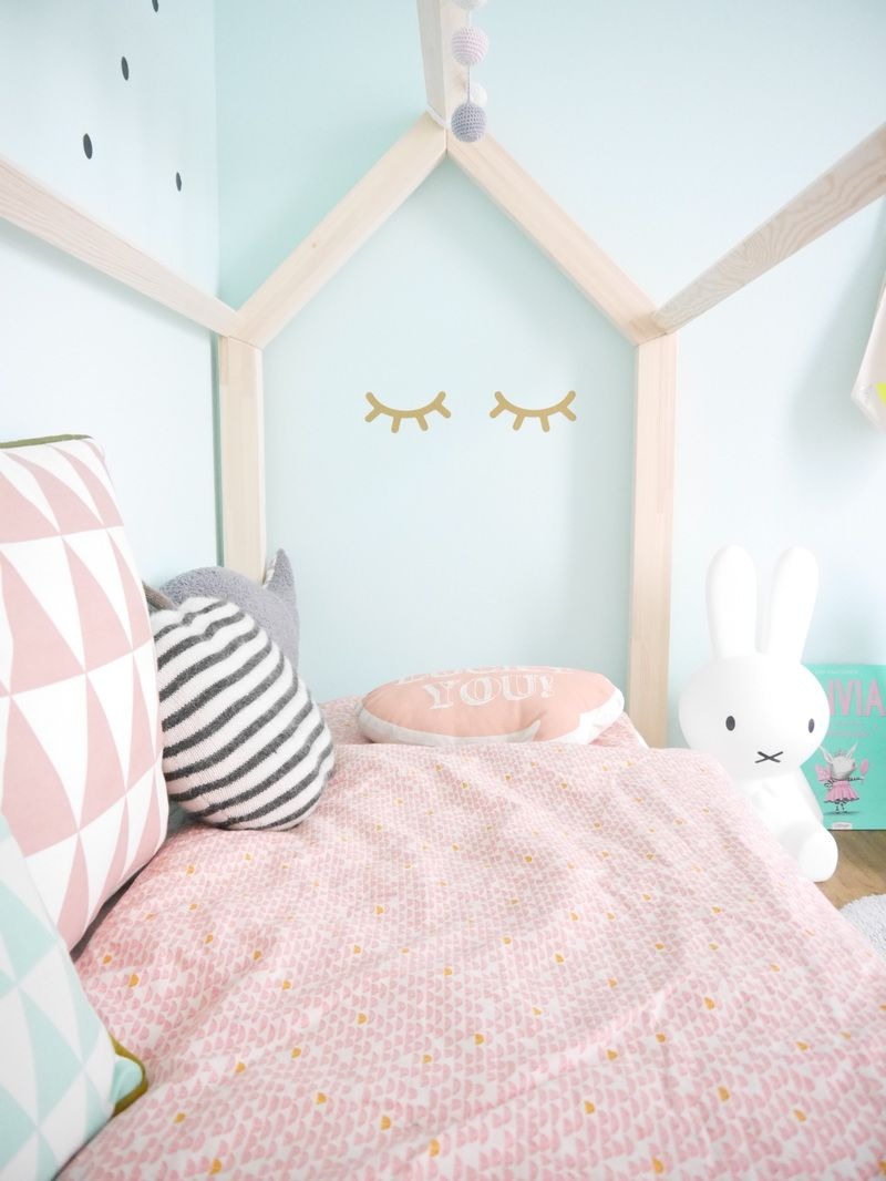 Kinderzimmer Mädchen einrichten: Mit Hausbett https://www ...