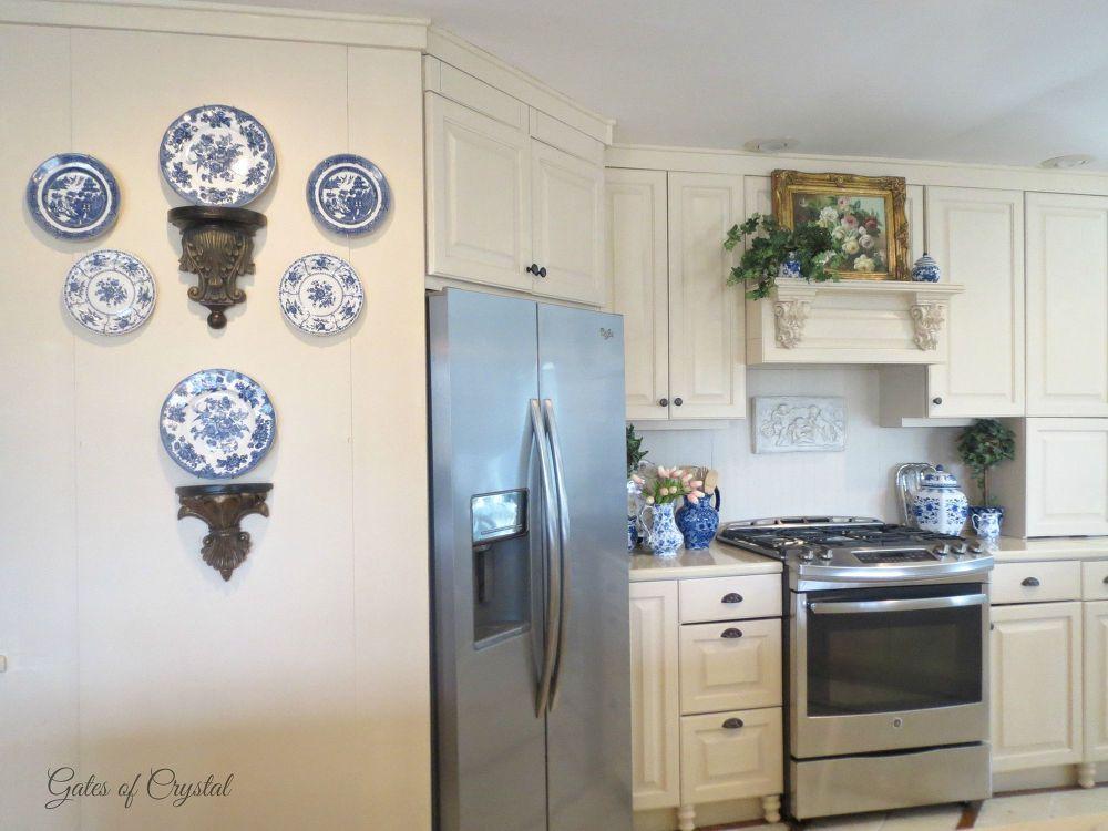 The Progression of Our Kitchen | Salas de estar, Pareja y Campo