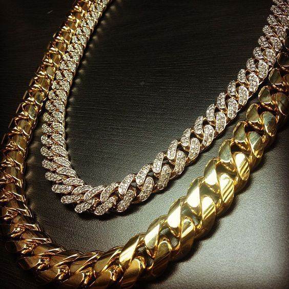 b859c8eab1ae Cubana con diamantes &' otra solo oro | SOLO ORO | Collares de ...