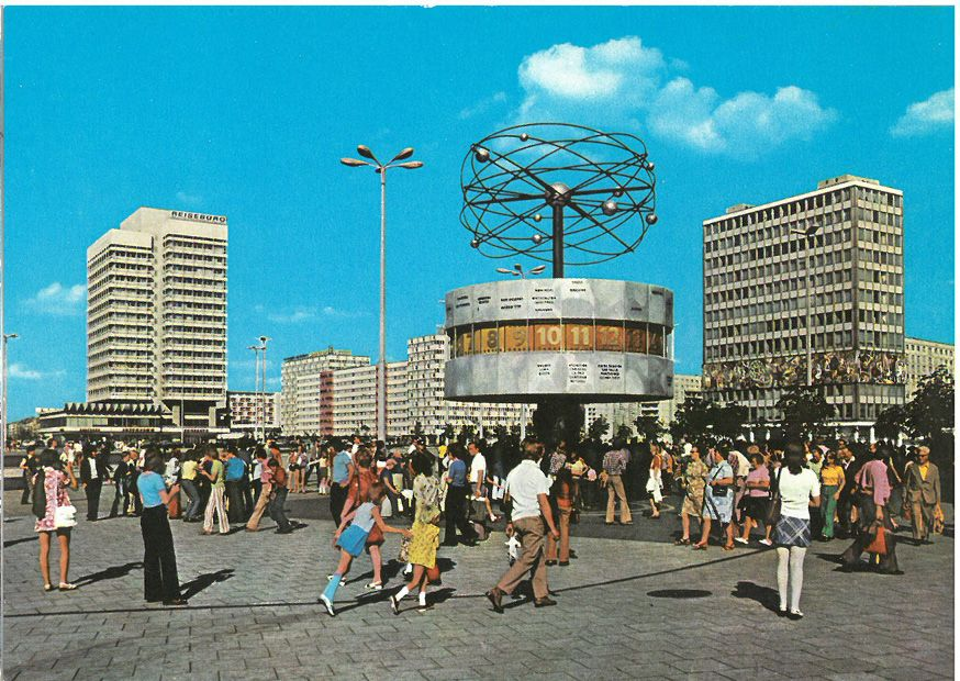 Berlin Ddr In Den 70ern Weltzeituhr Alexanderplatz Bilder Ddr Bilder Ddr