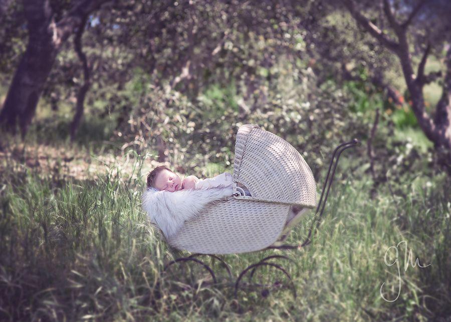 BEAUTIFUL infant shot - great prop/heirloom piece!