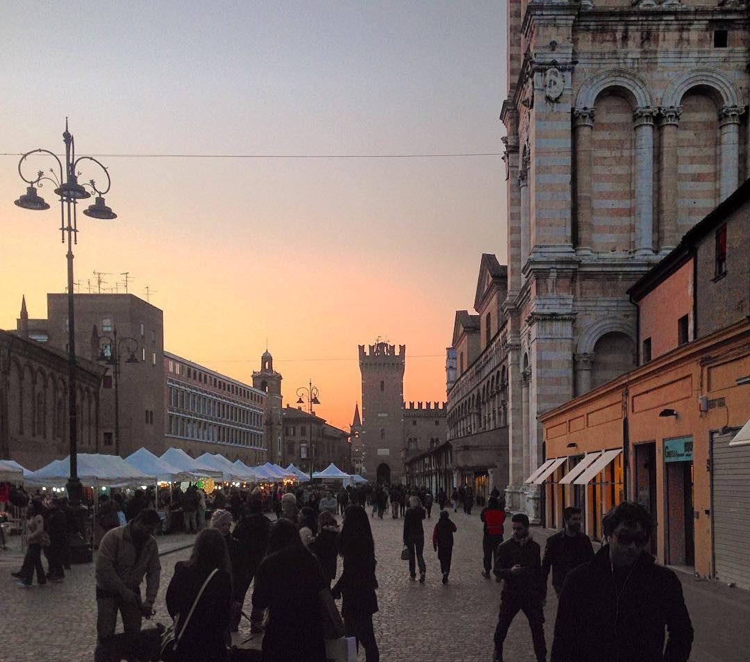 Per il sole é pasqua ogni giorno.  #ferrara #ferraraitaly #ferraraitalia #foto_italiane #igitalia #igferrara #igersferrara #igemiliaromagna #igfriends_emiliaromagna_ #loves_emiliaromagna #myferrara #turismoer #vivo_italia #vivoferrara #vivoemiliaromagna #architecturelovers #comunediferrara #emiliaromagna_friends #ig_emiliaromagna  #volgoitalia #volgoemiliaromagna #vsco #vscocam #vscogood_ Io #vivo_italia #volgoferrara by genio87