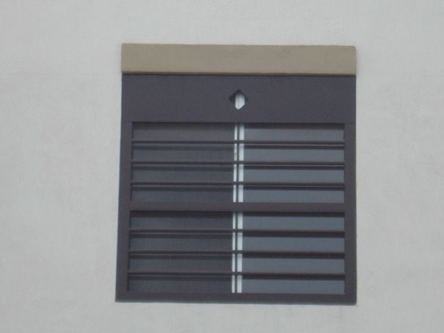 Rejas para casas modernas con barrotes horizontales para for Puertas de herreria para casa