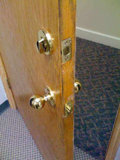 Locking A Deadbolt From The Outside Without A Key With Images Deadbolt Household Hacks Emergency Locksmith