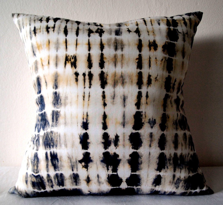 Decorative Throw Pillow Cover - Hunter Green - Unique Abstract Pattern - Hand Dyed Fabric - 18 x 18 - Batik - Tie Dye - Shibori