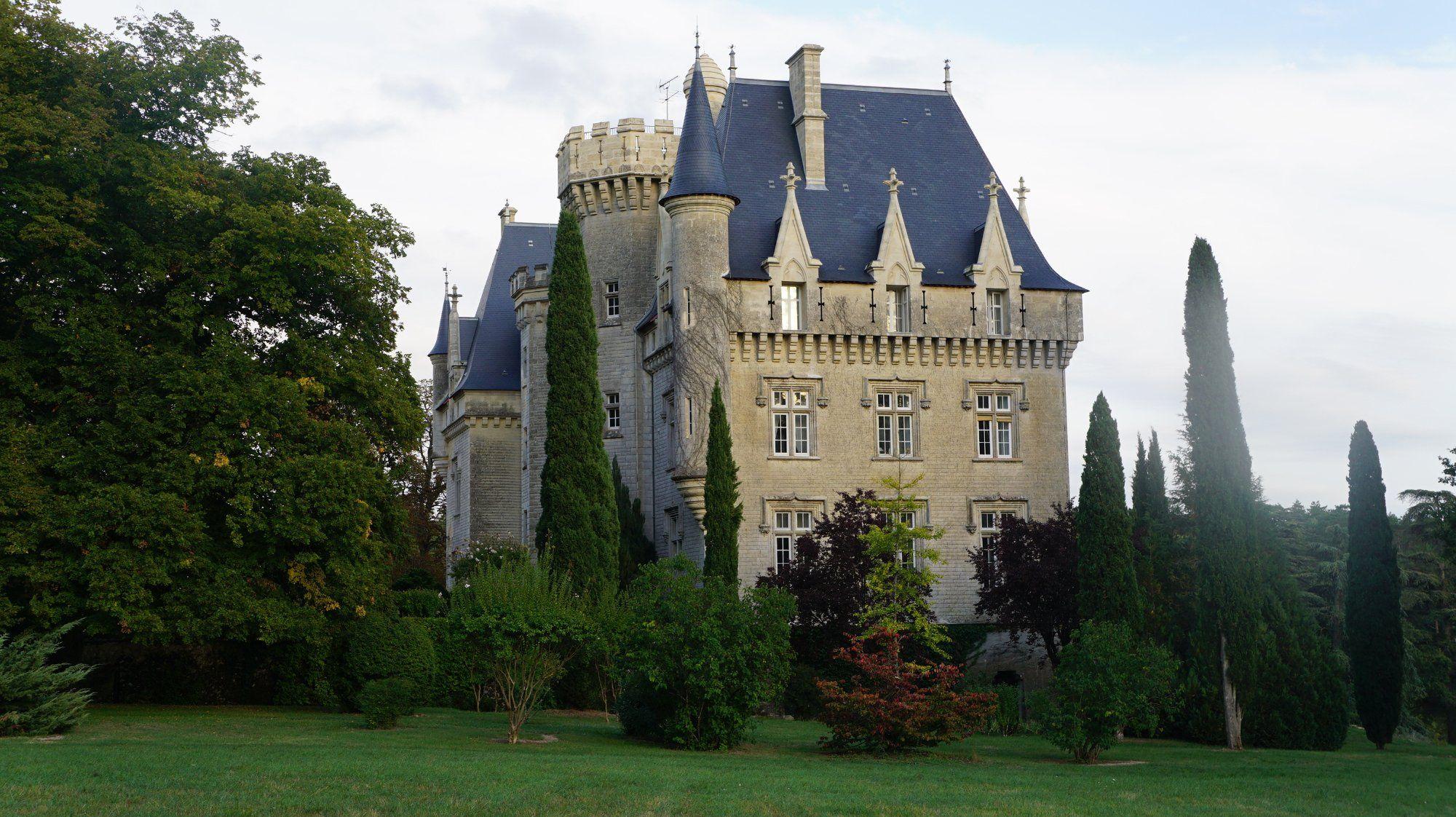 Gironde) Château de Pitray (Gardegan-et-Tourtirac) - Le château ...