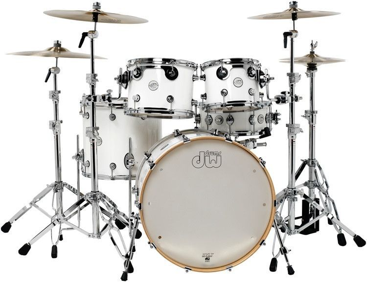 DW Design Series 5 piece shell pack in White gloss lacquer DDLG2215WH