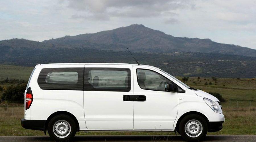 Hyundai H1 Bhutan Tours India To Bhutan Round Trip Tours Trip