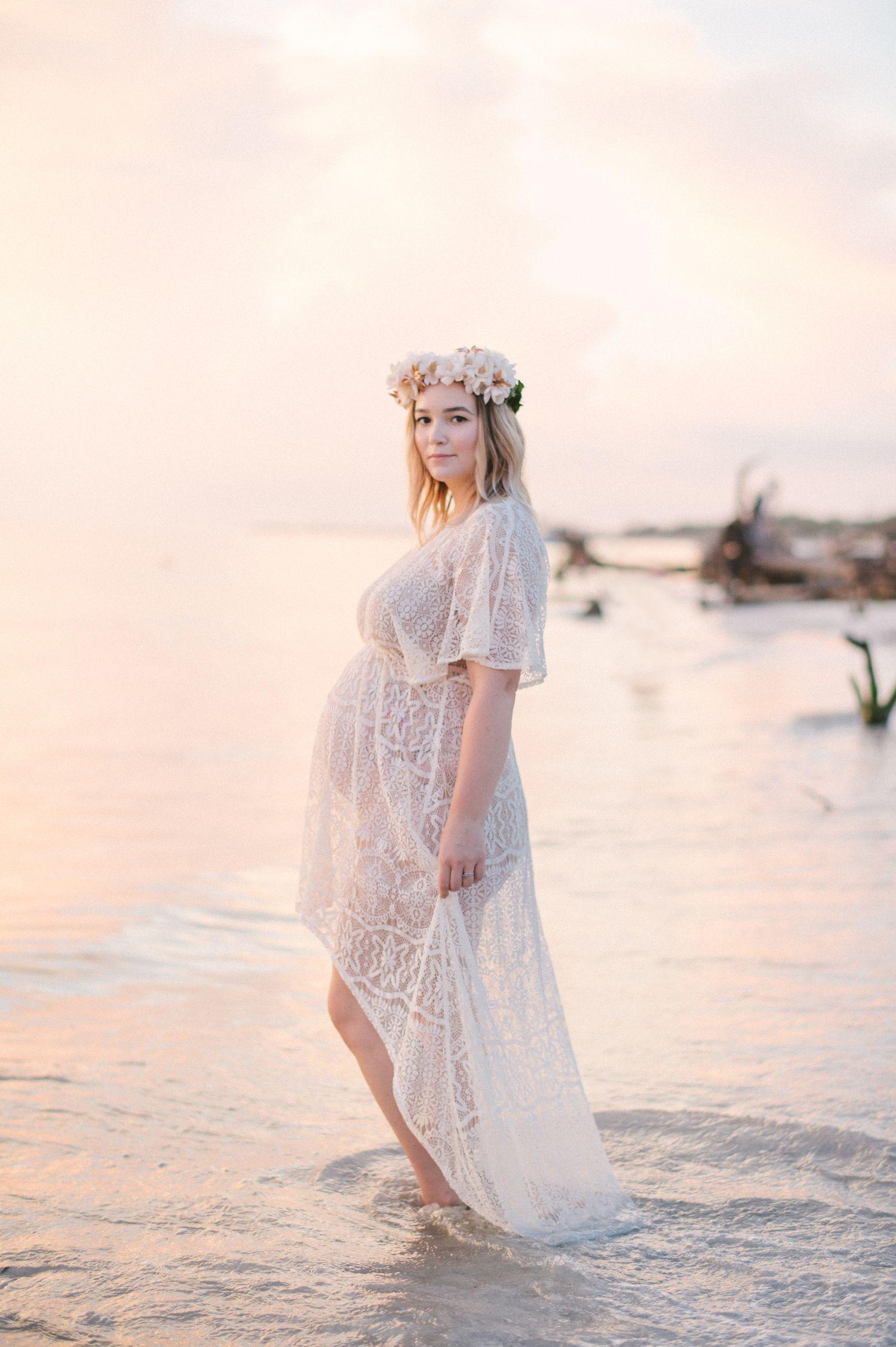 Boho Beach Maternity Photos (With images) | Beach ...