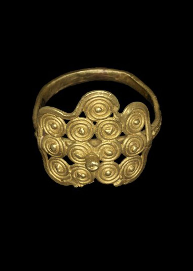 Africa | Lost wax casting in gold of a finger-ring. . | Asante people, Ghana | 19th century || {7.2}
