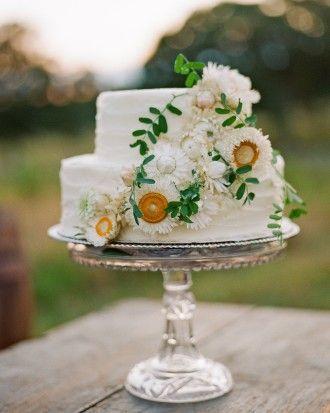 24 small wedding cakes with personality | image via: martha stewart weddings