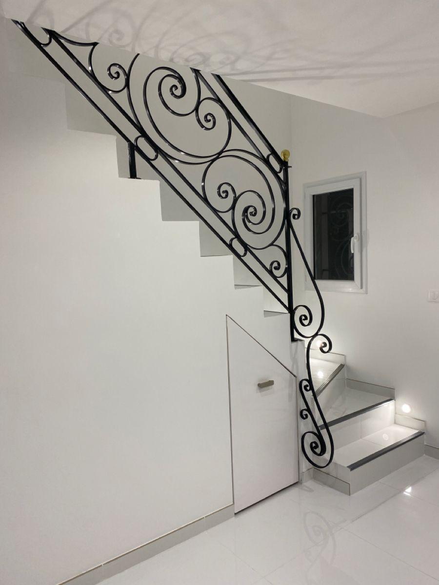 Les Plus Belles Rampes D Escalier En 2020 Rampe Escalier Rampe D Escalier En Fer Escalier
