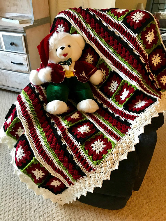 Amazing Christmas Afghan red green black with white snowflakes ...