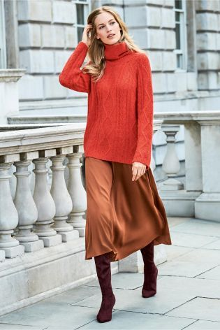 1b7237b6a8 Tan Maxi Skirt | Vanessa Axente | Pinterest | Cable sweater, Aw17 ...