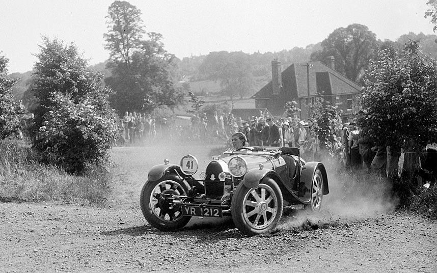 The Golden Age Of Motoring In Pictures Classic Car Insurance Bugatti Vintage Race Car