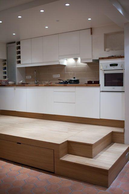 Estrade Et Lit Fredfabric Appartement Design Vivre Dans Une Tiny House Amenagement Petit Espace